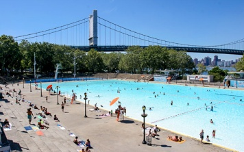summer swimming nyc
